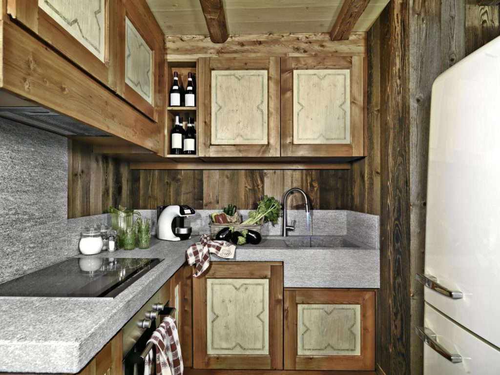 Reclaimed Wood in Country Kitchen