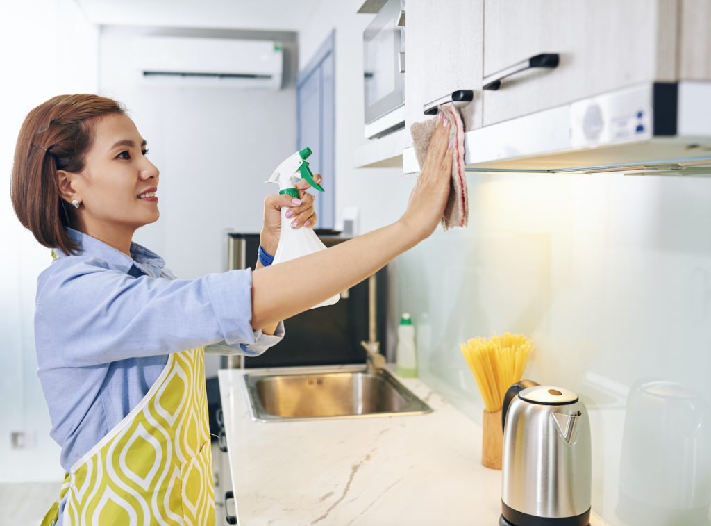 How to Clean Greas Off Kitchen Cabinets